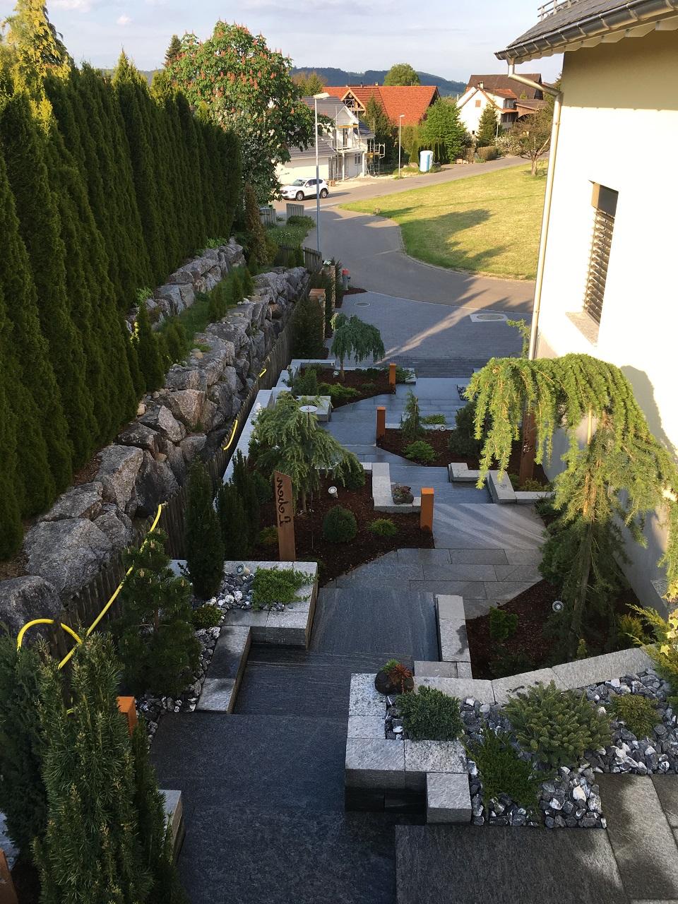 EFH Amlikon-Bissegg Kanton Thurgau mit Gartenpflege und Natur-Treppen, Naturwege