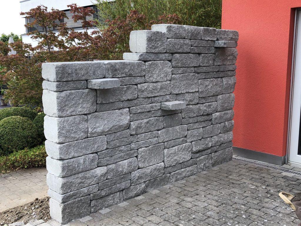 Gartenumänderung Steinmauer